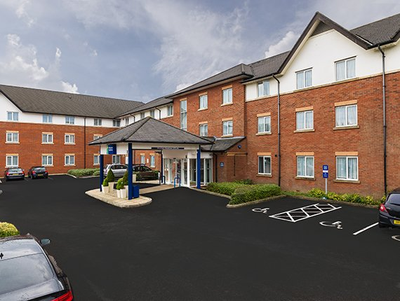 HOLIDAY INN EXPRESS GATWICK - CRAWLEY